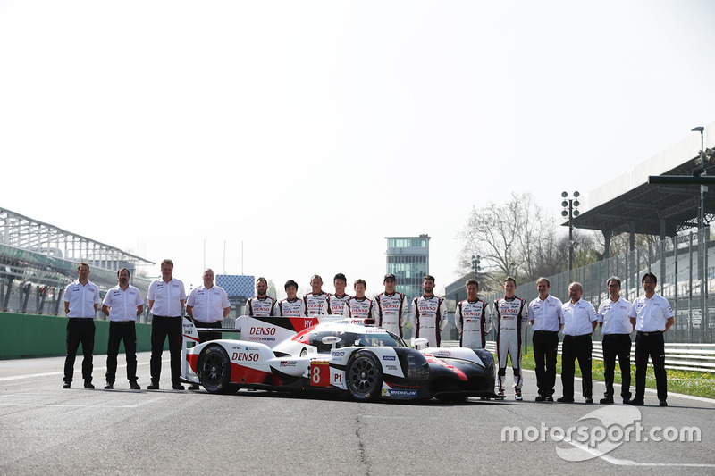 The new Toyota Gazoo Racing Toyota TS050 Hybrid and the drivers: Anthony Davidson, Nicolas Lapierre, Kazuki Nakajima, Mike Conway, Kamui Kobayashi, Yuji Kunimoto, Jose Maria Lopez, Sébastien Buemi, Stéphane Sarrazin with the rest of the team