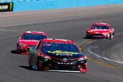 Erik Jones, Furniture Row Racing, Toyota; Ryan Newman, Richard Childress Racing, Chevrolet