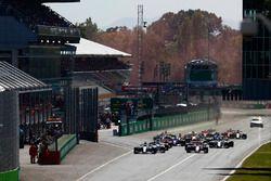 Start des Rennens: Lewis Hamilton, Mercedes AMG F1 W08
