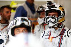 Guy Martin si unisce alla pit crew Williams