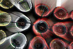 Neumáticos Pirelli blandos, medios y súper blandos