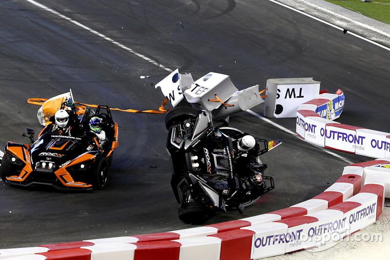 Incidente, Pascal Wehrlein e Felipe Massa sulla Polaris Slingshot SLR