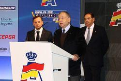 Jean Todt, presidente de la FIA, con Manuel Aviñó, presidente de la RFEdA y Carlos Gracia, expreside