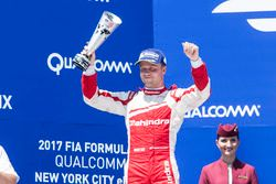Podium: tweede plaats Felix Rosenqvist, Mahindra Racing