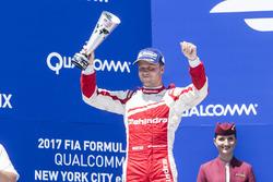 Podio: segundo lugar Felix Rosenqvist, Mahindra Racing