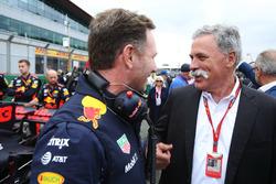 Руководитель Red Bull Racing Кристиан Хорнер и председатель Formula One Group Чейз Кэри