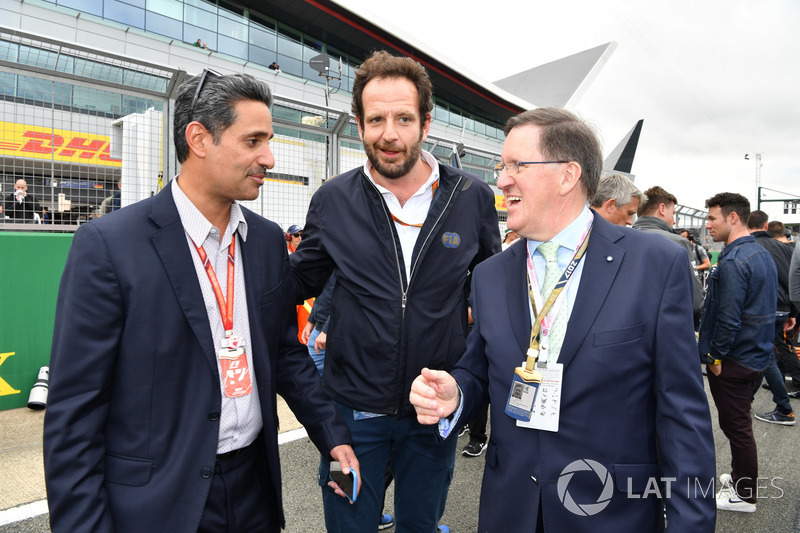 Scheich Salman bin Isa Al Khalifa, Matteo Bonciani, FIA-Pressesprecher, Lord Robertson