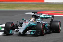 Lewis Hamilton, Mercedes AMG F1 W08 y fans