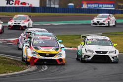 Мато Хомола, DG Sport Compétition, Opel Astra TCR, и Стиан Паульсен, Stian Paulsen Racing, SEAT León