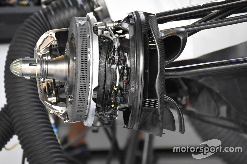 Williams FW40 brake assembly