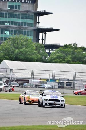 #00 TA4 Ford Mustang, James Pesek, PF/Rennsport KC Racing, #46 TA3 Porsche 991 GT3 Cup, Mark Boden, Fall Line Motorsports