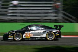 #77 PROTON Competition, Porsche 911 RSR: Christian Ried, Joel Camathias, Matteo Cairoli
