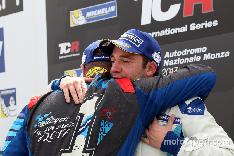 Podium: Stefano Comini, Comtoyou Racing, Audi RS3 LMS and Frédéric Vervisch, Comtoyou Racing, Audi R