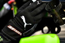 Juan Pablo Montoya, Team Penske Chevrolet Puma guantes
