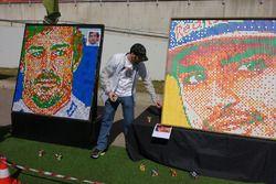 Kunstwerk met Rubic kubes