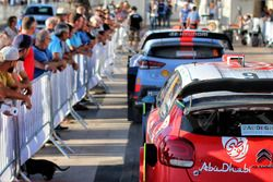 Cars, fans and atmosphere