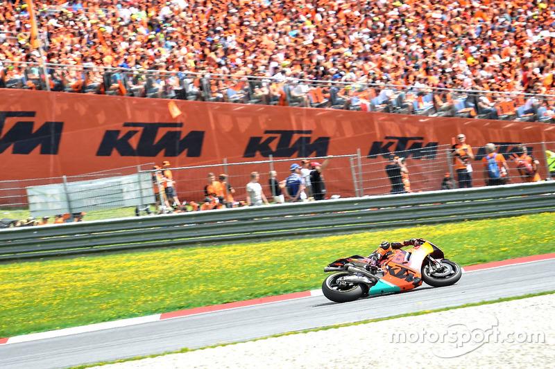 "<img src=""http://cdn-1.motorsport.com/static/custom/car-thumbs/MOTOGP_2017/BIKES/KTM.png"" width=""80"" /> Red Bull KTM Factory Racing"