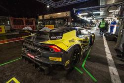 #77 Barwell Motorsport Lamborghini Huracan GT3: Adrian Amstutz, Martin Kodric, Patrick Kujala, Oliver Gavin