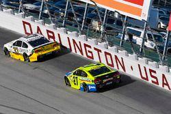 Chris Buescher, JTG Daugherty Racing Chevrolet, Paul Menard, Richard Childress Racing Chevrolet