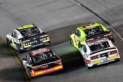 William Byron, JR Motorsports Chevrolet and Christopher Bell, Joe Gibbs Racing Toyota