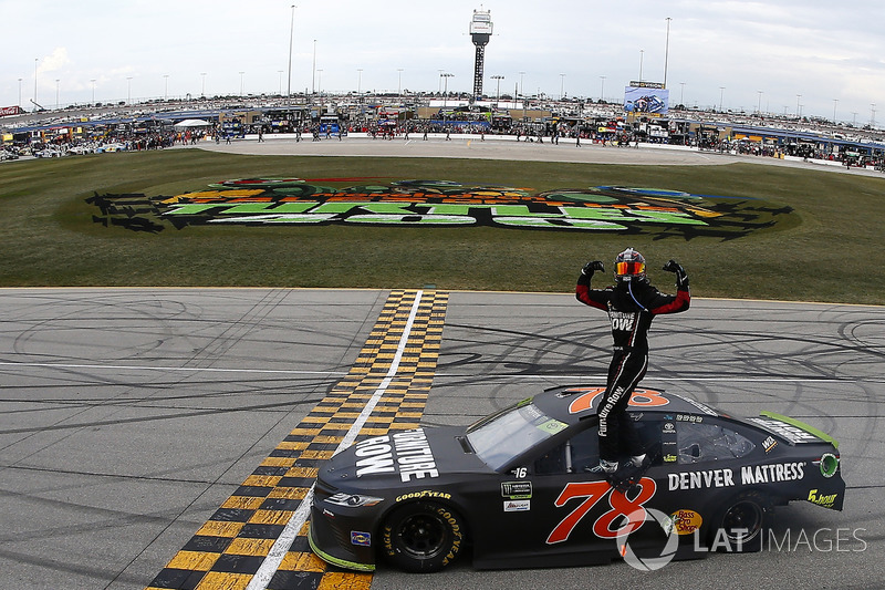 Chicago (Illinois): Martin Truex Jr. (Furniture-Row-Toyota)