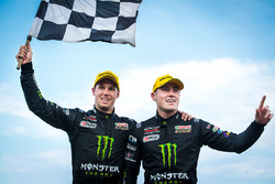 Race winners Cameron Waters, Prodrive Racing Australia Ford, Richie Stanaway, Prodrive Racing Austra