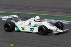 El Alan Jones Williams FW07 en demostración