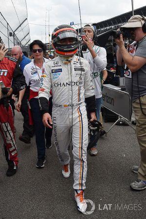 Fernando Alonso, Andretti Autosport Honda, revient au stand après son abandon