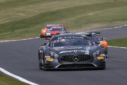 #85 HTP Motorsport, Mercedes AMG GT3: Fabian Schiller, Jules Szymkowiak