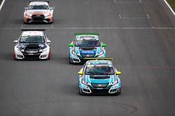 Josh Files, Target Competition, Honda Civic Type R-TCR; Kris Richard, Target Competition, Honda Civic Type R-TCR; Steve Kirsch, Honda Team ADAC Sachsen, Honda Civic Type R-TCR