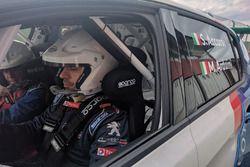 Stefano Accorsi al volante della Peugeot 308 Racing Cup