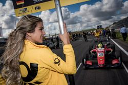 Grid girl, Mick Schumacher, Prema Powerteam, Dallara F317 - Mercedes-Benz