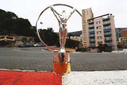 El trofeo de los premios Laureus World Sports