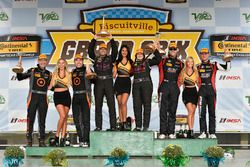 ST podium: first place Sarah Cattaneo, Owen Trinkler, CRG-I Do Borrow, James Clay, Tyler Cooke, Bimm