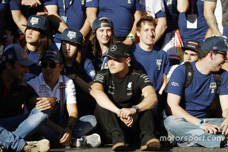 Carlos Sainz Jr., Scuderia Toro Rosso, Felipe Massa, Williams, Valtteri Bottas, Mercedes AMG F1, at the FIA Volunteers Day celebrations