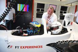 Paul Stoddart, Zsolt Baumgartner, F1 Experiences 2-Seater coureur en F1 Experiences 2-Seater passagi