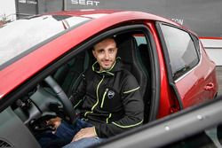 Andrea Dovizioso en su SEAT León CUPRA