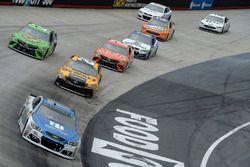 Dale Earnhardt Jr., Hendrick Motorsports Chevrolet, Matt Kenseth, Joe Gibbs Racing Toyota, Gray Gaul