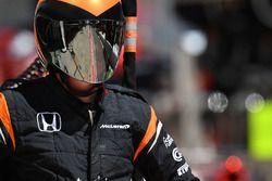 Un mécanicien McLaren