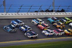 Brad Keselowski, Team Penske Ford, Kevin Harvick, Stewart-Haas Racing Ford, Chase Elliott, Hendrick