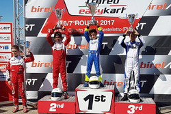 Podium: race winner Daniele d'Urso, second place Ruhaan Alva, third place Lorenzo Patrese