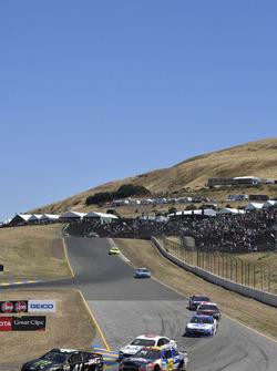 Kurt Busch, Stewart-Haas Racing Ford, Kevin O'Connell, Premium Motorsports Chevrolet