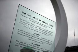 Monumento a Bernie Ecclestone en Goodwood