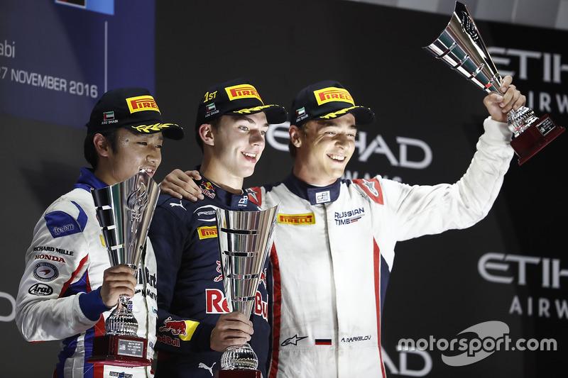 Podium : le vainqueur Pierre Gasly, PREMA Racing, le deuxième Nobuharu Matsushita, ART Grand Prix, le troisième Artem Markelov, RUSSIAN TIME