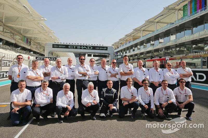 Fotografía de grupo de FIA