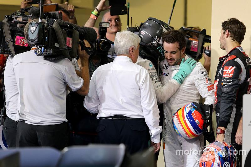 Segundo lugar y nuevo campeón del mundo F1 de AMG Mercedes, Nico Rosberg y Fernando Alonso, McLaren F1