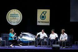 Nico Rosberg, Mercedes AMG F1, mit Toto Wolff, Mercedes-Sportchef