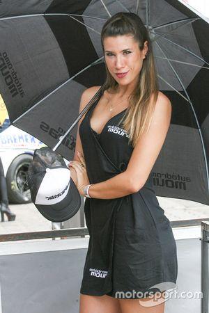 Chica de la parrilla Argentina Museo Mouras