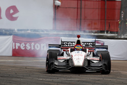 Race winner Sébastien Bourdais, Dale Coyne Racing Honda celebrates with donuts
