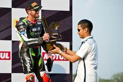 Podio: il terzo classificato Tom Sykes, Kawasaki Racing